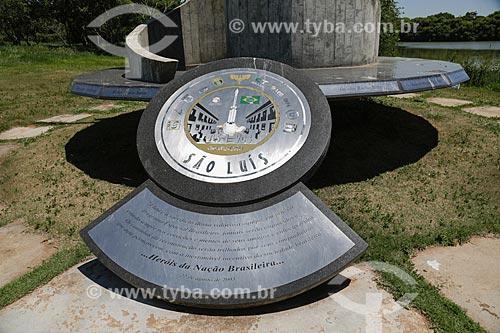Monumento em homenagem aos mortos na explosão da base aérea de Alcântara no Memorial Aeroespacial Brasileiro - MAB  - São José dos Campos - São Paulo - Brasil