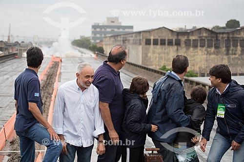 Autoridades durante a implosão do primeiro trecho do Elevado da Perimetral - da esquerda para a direita: Adilson Pires (Vice-Prefeito), Luiz Fernando de Souza
