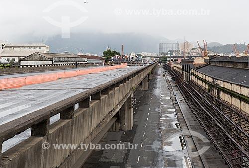 Assunto: Avenida Rodrigues Alves vista do Elevado da Perimetral durante a implosão do primeiro trecho / Local: Gamboa - Rio de Janeiro (RJ) - Brasil / Data: 11/2013