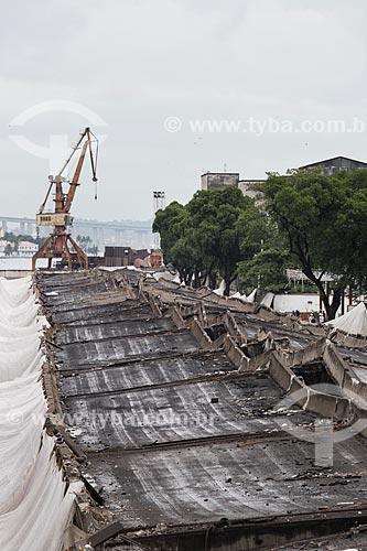 Assunto: Elevado da Perimetral após a implosão do primeiro trecho com a Ponte Rio-Niterói (1974) ao fundo / Local: Gamboa - Rio de Janeiro (RJ) - Brasil / Data: 11/2013