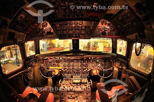 Avião Douglas DC-7 faz parte da Exposição América pelo Ar no Museu do Ar e Espaço do Instituto Smithsoniano - Possui a maior coleção de aeronaves e naves espaciais de todo o mundo  - Estados Unidos