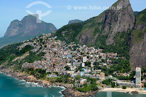 Assunto: Vista do Sheraton Rio Hotel & Resort com trecho da Praia do Vidigal e da favela do Vidigal com a Pedra da Gávea ao fundo / Local: Vidigal - Rio de Janeiro (RJ) - Brasil / Data: 11/2013