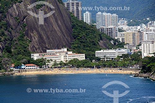 Foto aérea da Praia Vermelha com Círculo Militar da Praia Vermelha, Instituto Militar de Engenharia e da Escola de Guerra Naval - da esquerda para a direita - com prédios de Botafogo ao fundo  - Rio de Janeiro - Rio de Janeiro - Brasil