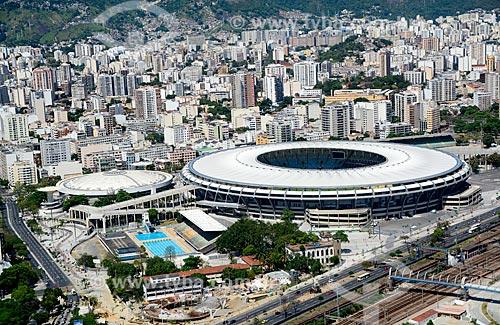 Foto aérea do Parque Aquático Júlio Delamare, Ginásio Gilberto Cardoso (1954) - também conhecido como Maracanãzinho - e do Estádio Jornalista Mário Filho (1950) - parte do Complexo Esportivo do Maracanã  - Rio de Janeiro - Rio de Janeiro - Brasil