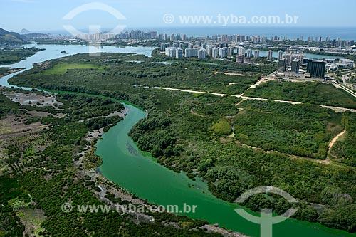 Assunto: Foto aérea da Lagoa de Camorim com a Lagoa da Tijuca ao fundo / Local: Barra da Tijuca - Rio de Janeiro (RJ) - Brasil / Data: 11/2013