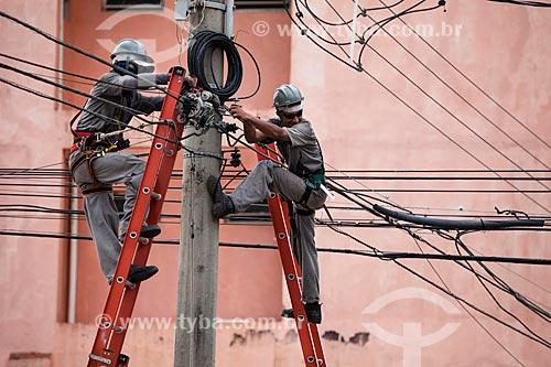 Assunto: Operários fazendo manutenção da rede de iluminação pública na Praça Marechal Rondon / Local: Porto Velho - Rondônia (RO) - Brasil / Data: 10/2013