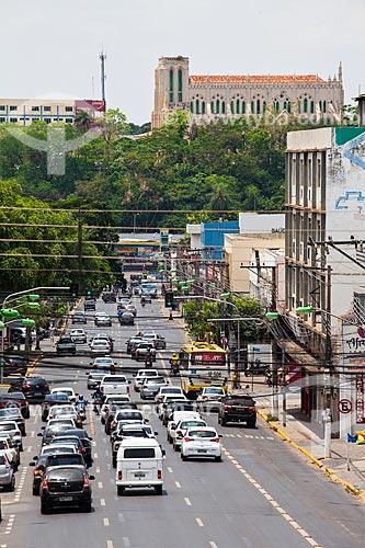 Assunto: Vista da Avenida Isaac Povoa com Santuário Eucarístico Nossa Senhora do Bom Despacho no alto / Local: Centro - Cuiabá - Mato Grosso (MT) - Brasil / Data: 10/2013