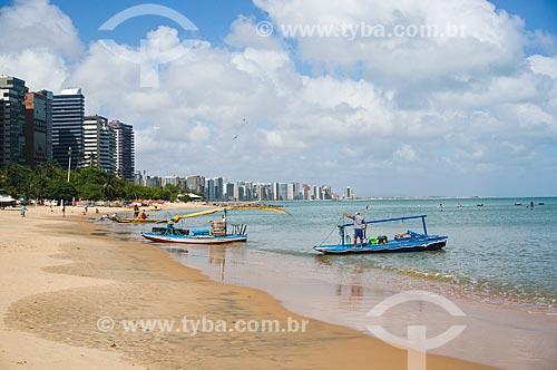 Assunto: Jangadas na Praia de Mucuripe com edifícios da Avenida Beira-Mar ao fundo / Local: Fortaleza - Ceará (CE) - Brasil / Data: 11/2013