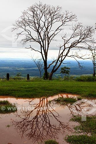 Assunto: Vista do mirante na Chapada dos Guimarães a partir da Pousada Penhasco  / Local: Chapada dos Guimarães - Mato Grosso (MT) - Brasil / Data: 03/2013
