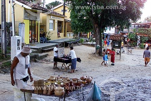 Assunto: Artesanato à venda na Praça Aureliano Lima / Local: Cairu - Bahia (BA) - Brasil / Data: 04/1991