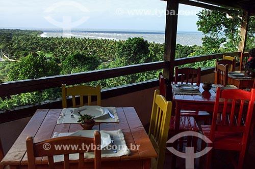 Assunto: Vista da vegetação com o mar ao fundo a partir de restaurante / Local: Distrito de Arraial DAjuda - Porto Seguro - Bahia (BA) - Brasil / Data: 04/1991