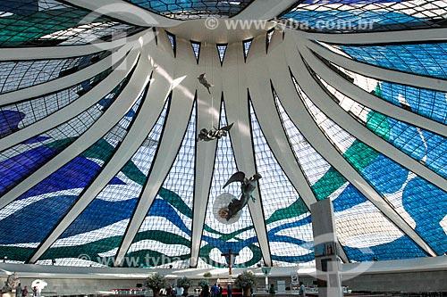 Assunto: Interior da Catedral Metropolitana de Nossa Senhora Aparecida (1958) - também conhecida como Catedral de Brasília / Local: Brasília - Distrito Federal (DF) - Brasil / Data: 08/2013