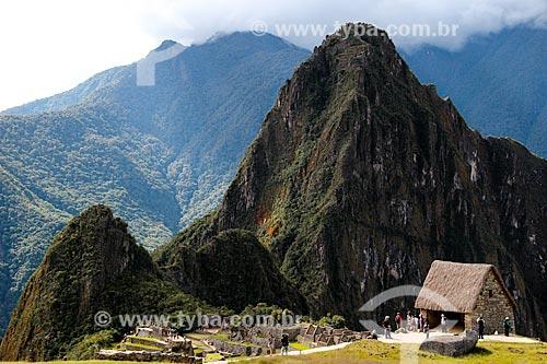 Assunto: Vista geral das ruínas de Machu Picchu a partir do terraço da Rocha Cerimonial / Local: Peru - América do Sul / Data: 06/2012