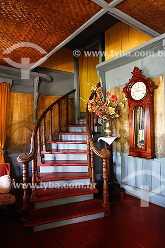 Interior da casa do Barão do Museu do Seringal Vila Paraíso (2000) - construído especialmente para o filme