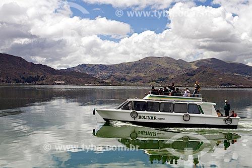 Assunto: Lancha no Lago Titicaca / Local: Bolívia - América do Sul / Data: 01/2012