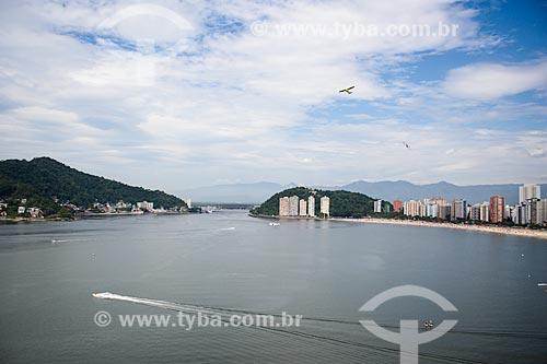 Assunto: Vista geral do Mar Pequeno a partir do Morro do Itararé com a Praia de São Vicente à direita / Local: São Vicente - São Paulo (SP) - Brasil / Data: 12/2013