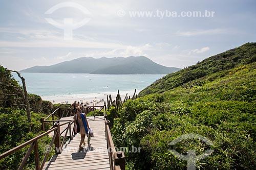 Assunto: Escadaria de acesso à Prainha do Pontal do Atalaia / Local: Arraial do Cabo - Rio de Janeiro (RJ) - Brasil / Data: 01/2014