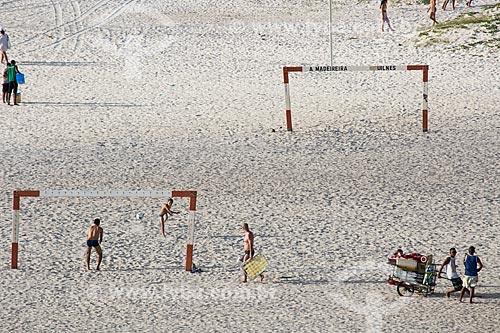 Assunto: Campo de futebol de areia na Praia Grande / Local: Arraial do Cabo - Rio de Janeiro (RJ) - Brasil / Data: 01/2014
