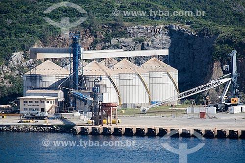 Assunto: Silos da empresa Barley no Porto do Forno / Local: Arraial do Cabo - Rio de Janeiro (RJ) - Brasil / Data: 01/2014