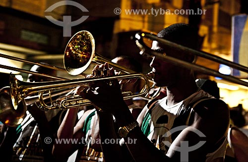 Assunto: Músicos durante o desfile do bloco de carnaval de rua Banda Cultural do Jiló / Local: Tijuca - Rio de Janeiro (RJ) - Brasil / Data: 02/2012