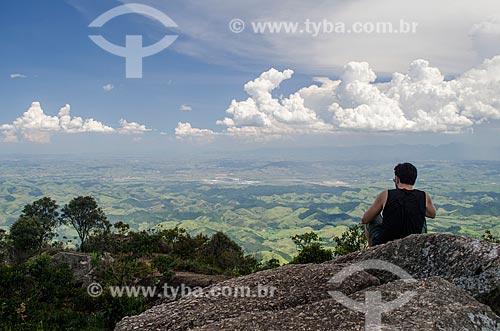 Assunto: Homem no pico da pedra selada no Parque Estadual da Pedra Selada / Local: Resende - Rio de Janeiro (RJ) - Brasil / Data: 01/2014