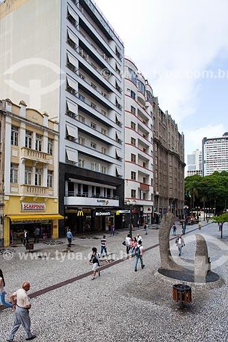 Assunto: Avenida Luiz Xavier - também conhecida como Rua das Flores / Local: Centro - Curitiba - Paraná (PR) - Brasil / Data: 12/2013