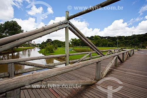 Assunto: Ponte de madeira sobre o Rio Barigui no Parque Barigui / Local: Curitiba - Paraná (PR) - Brasil / Data: 12/2013