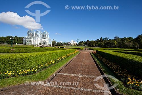 Assunto: Jardim Botânico de Curitiba (Jardim Botânico Francisca Maria Garfunkel Rischbieter) com a estufa ao fundo / Local: Jardim Botânico - Curitiba - Paraná (PR) - Brasil / Data: 12/2013