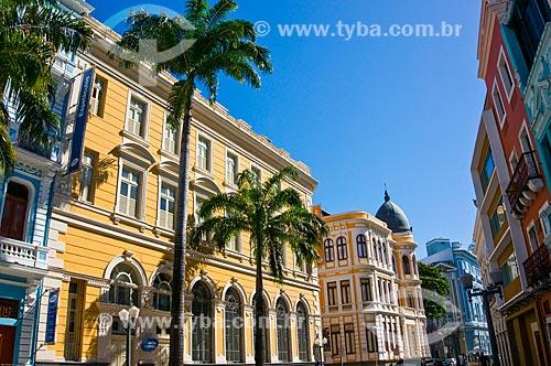 Assunto: Prédios antigos na Rua do Bom Jesus com a Caixa Cultural Recife (1912) ao fundo / Local: Recife - Pernambuco (PE) - Brasil / Data: 11/2013