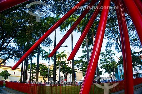 Assunto: Estrutura metálica na Praça Artur Oscar - também conhecida como Praça do Arsenal da Marinha - com a Torre Malakoff (1855) - antigo Portão Monumental e Observatório - ao fundo / Local: Recife - Pernambuco (PE) - Brasil / Data: 11/2013
