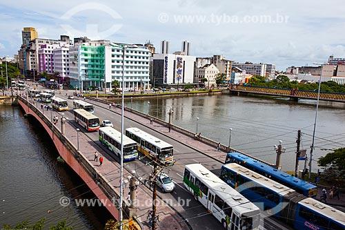 Assunto: Tráfego na Ponte Duarte Coelho (1943) sobre o Rio Capibaribe / Local: Recife - Pernambuco (PE) - Brasil / Data: 11/2013