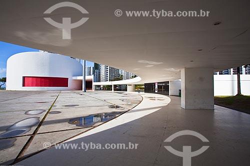 Assunto: Teatro Luiz Mendonça (2008) no Parque Dona Lindu / Local: Boa Viagem - Recife - Pernambuco (PE) - Brasil / Data: 11/2013