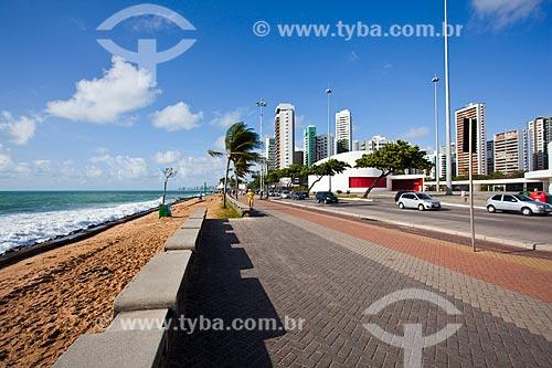 Assunto: Orla da Praia da Boa Viagem com o Parque Dona Lindu (2008) à direita / Local: Boa Viagem - Recife - Pernambuco (PE) - Brasil / Data: 11/2013