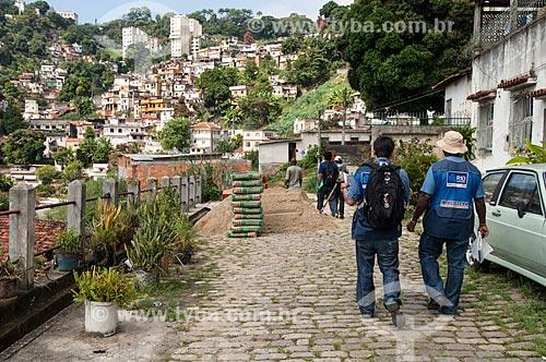 Assunto: Agentes da Prefeitura no Morro do Fogueteiro / Local: Santa Teresa - Rio de Janeiro (RJ) - Brasil / Data: 05/2011