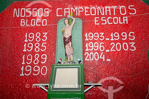 Assunto: Imagem religiosa no Clube Carnavalesco Escola de Samba Flor da Mina do Andaraí / Local: Andaraí - Rio de Janeiro (RJ) - Brasil / Data: 05/2011