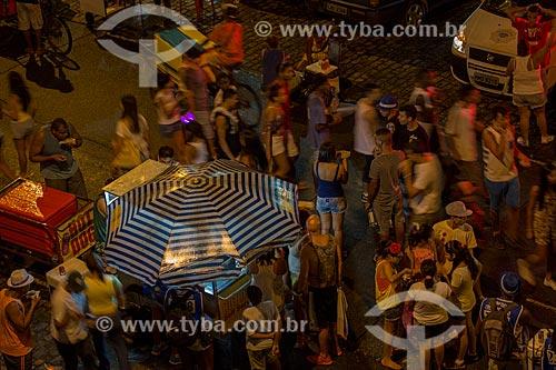 Assunto: Foliões na Rua do Russel durante o carnaval - Bloco Beat 98 da Rádio Globo / Local: Glória - Rio de Janeiro (RJ) - Brasil / Data: 02/2014