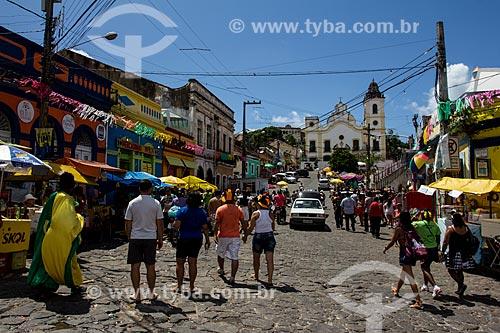 Assunto: Pessoas no Largo do Amparo durante o carnaval / Local: Olinda - Pernambuco (PE) - Brasil / Data: 03/2014