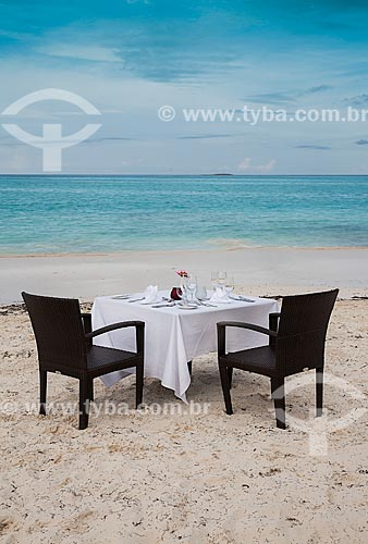 Assunto: Mesa posta para refeição na praia / Local: Bahamas - América Central / Data: 06/2013