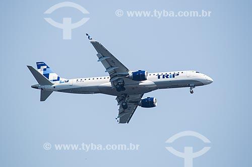 Assunto: Avião da TRIP Linhas Aéreas sobrevoando o Rio de Janeiro / Local: Rio de Janeiro (RJ) - Brasil / Data: 01/2014