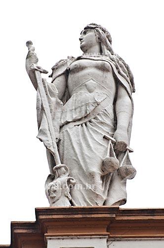 Assunto: Detalhe das esculturas no Paço Municipal de Porto Alegre (1901) - estátua que representam a justiça / Local: Porto Alegre - Rio Grande do Sul (RS) - Brasil / Data: 12/2013