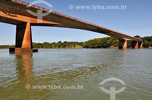 Assunto: Ponte na Rodovia Juscelino Kubitschek (BR-365) sobre o Rio Paranaíba - Divisa dos Estados de Minas Gerais e Góiás / Local: São Simão - Goiás (GO) - Brasil / Data: 02/2014