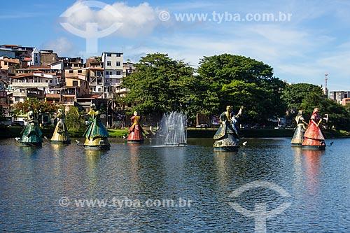 Assunto: Escultura representando 8 Orixás no Dique do Tororó / Local: Salvador - Bahia (BA) - Brasil / Data: 12/2011