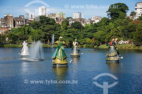Assunto: Escultura representando Orixás no Dique do Tororó / Local: Salvador - Bahia (BA) - Brasil / Data: 12/2011