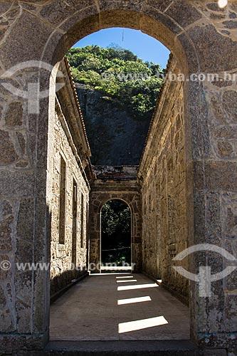 Assunto: Ruínas do Forte de São Luís (1770) - também conhecido como Forte do Morro do Pico / Local: Niterói - Rio de Janeiro (RJ) - Brasil / Data: 08/2012