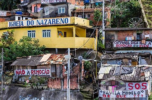 Assunto: Casas da Favela Santa Marta com faixas contrárias à remoção / Local: Botafogo - Rio de Janeiro (RJ) - Brasil / Data: 08/2012