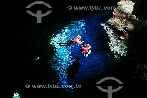 Assunto: Pessoas nadando no Poço Azul / Local: Nova Redenção - Bahia (BA) - Brasil / Data: 04/2013