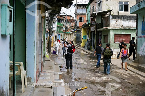 Operação policial no Complexo do Alemão dias após a implantação da Unidade de Polícia Pacificadora (UPP)  - Rio de Janeiro - Rio de Janeiro - Brasil
