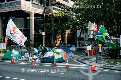 Ocupação da esquina da Rua Aristides Espínola com a Avenida Delfim Moreira - onde o Governador Sérgio Cabral mora  - Rio de Janeiro - Rio de Janeiro - Brasil