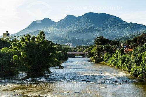 Assunto: Rio Itapocu e Morro da Boa Vista ao fundo / Local: Jaraguá do Sul - Santa Catarina (SC) - Brasil / Data: 03/2014