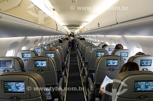 Voo da Companhia Azul - Modelo Embraer EMB 195  - Rio de Janeiro - Rio de Janeiro (RJ) - Brasil